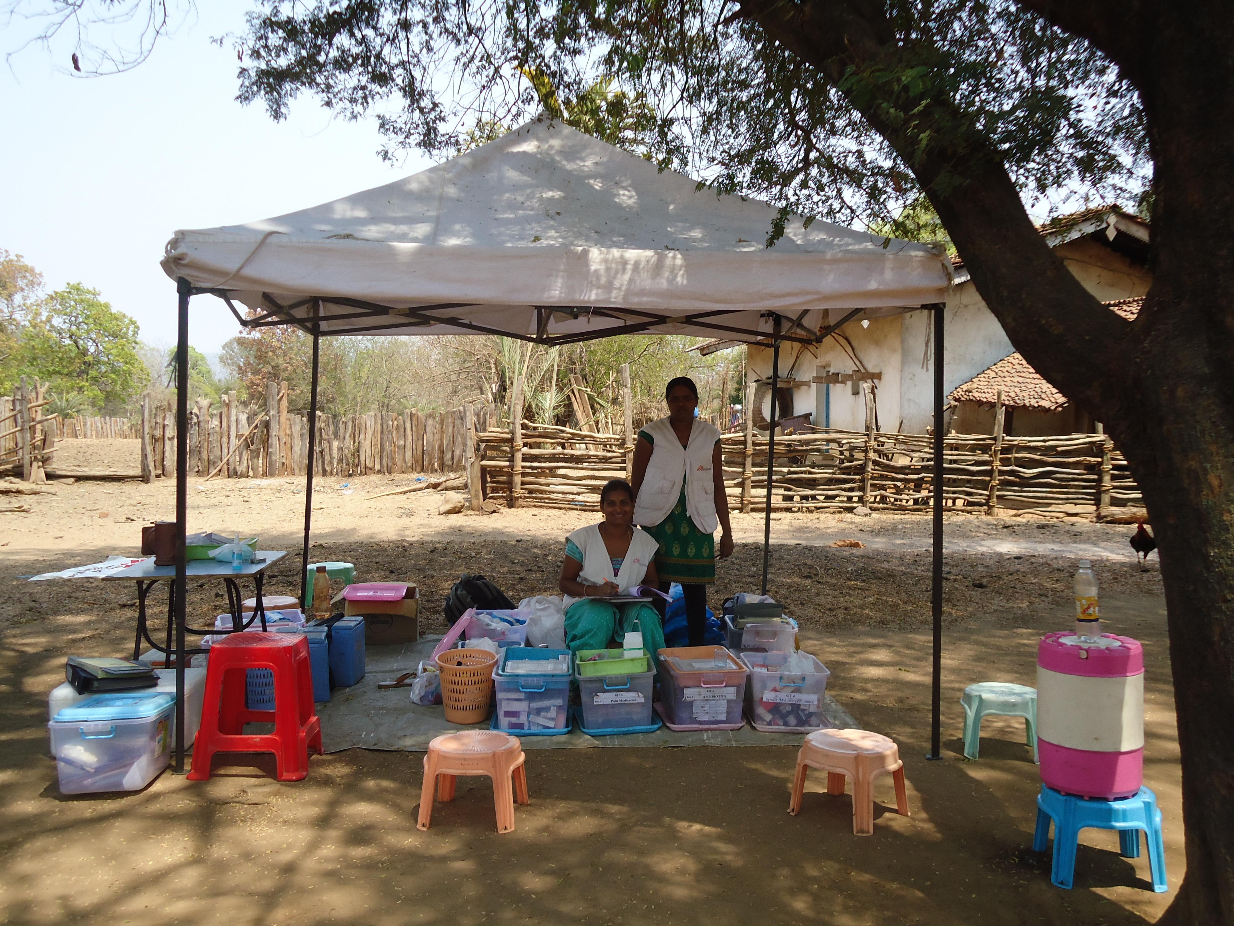 une tente MSF érigée pour recevoir les patients