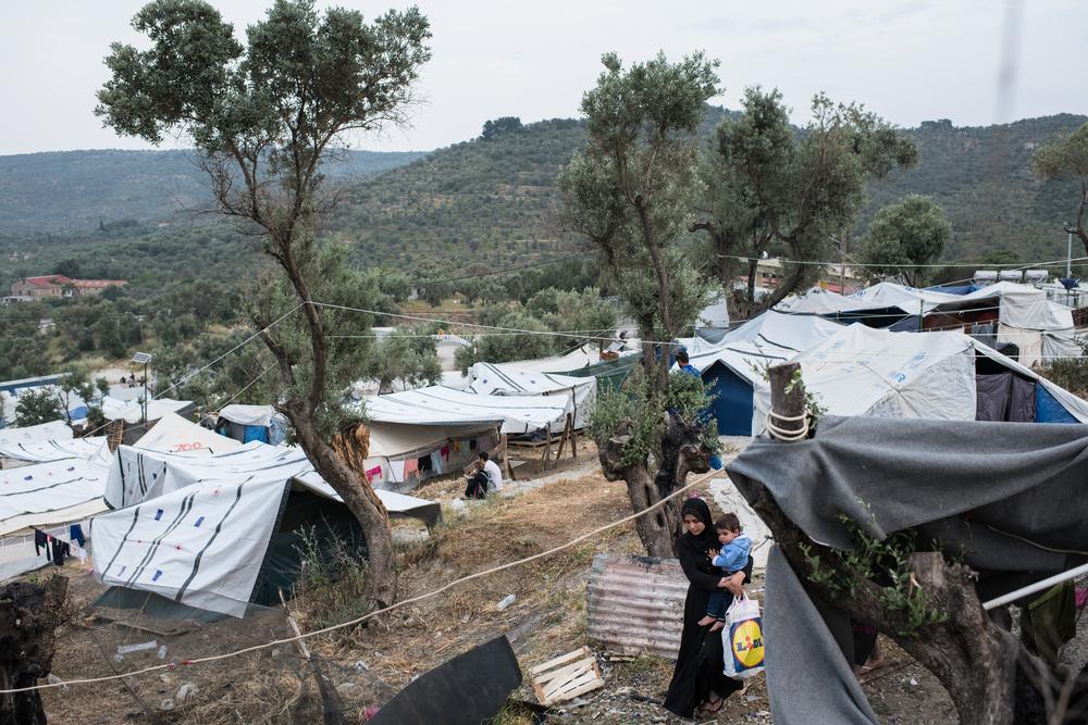 extensie van het vluchtelingenkamp in moria olive grove