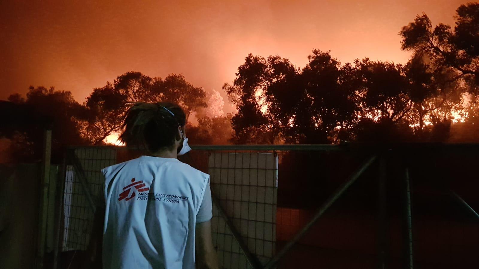 Le camp de Moria ravagé par les flammes — Grèce