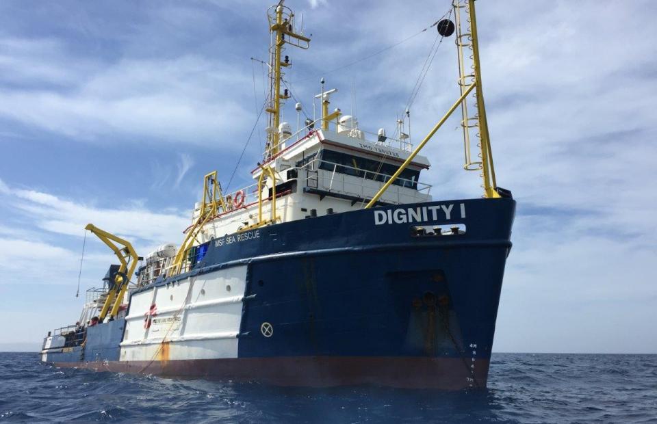 Dignity 1, één van de drie boten waarmee Artsen Zonder Grenzen vluchtelingen redt op de Middellandse Zee. © Juan Matias Gil/AZG
