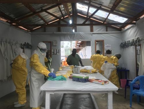 Nouveau centre de traitement à Katwa. Il vient répondre à la flambée de nouveaux cas d'Ebola recensés près de Katwa.