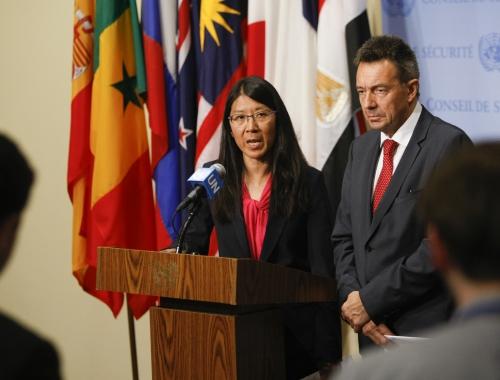 Joanne Liu, internationaal voorzitter van Artsen Zonder Grenzen, en Peter Mauter, voorzitter van het Internationale Rode Kruis  op de VN-Veiligheidsraad. © Paulo Filgueiras/AZG