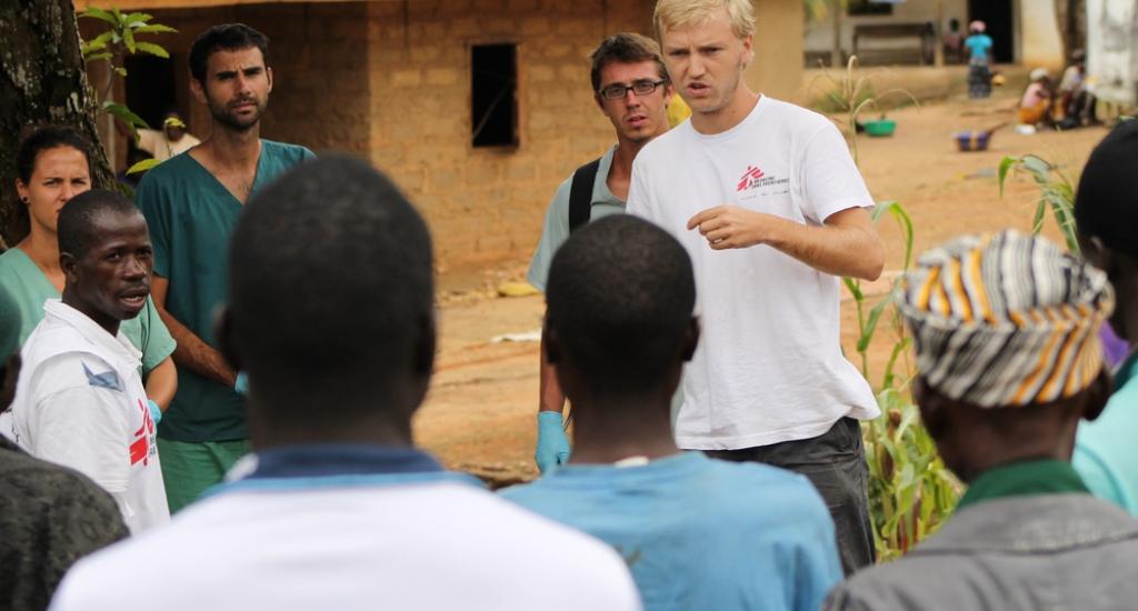© Martin Zinggl/MSF -Jesse pendant une session de promotion de la santé à propos d'Ebola au Libéria.