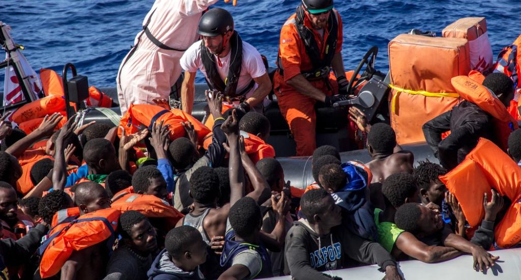 Le dernier sauvetage peut commencer © Borja Ruiz Rodriguez/MSF. Mer Méditerranée, 2016.