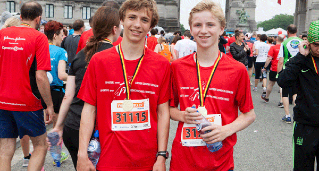 Arrivée 2 jeunes coureurs MSF 20 km Bxl 2016