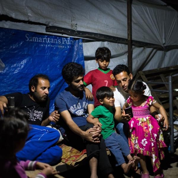 Kasim et sa famille dans le camp de réfugiés de Moria